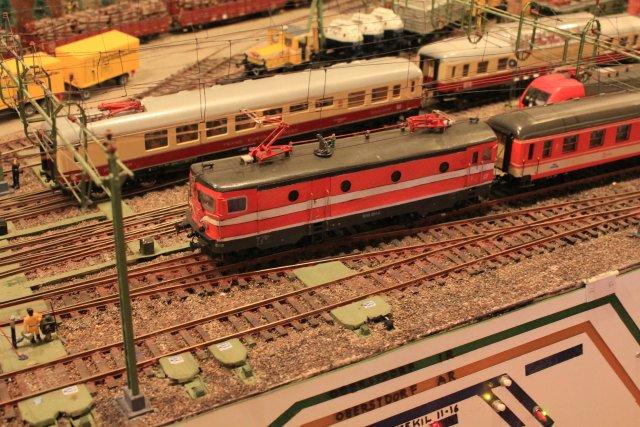 Mein ÖBB Mitteleinstiegswagenzug  - Seite 2 Hp3328